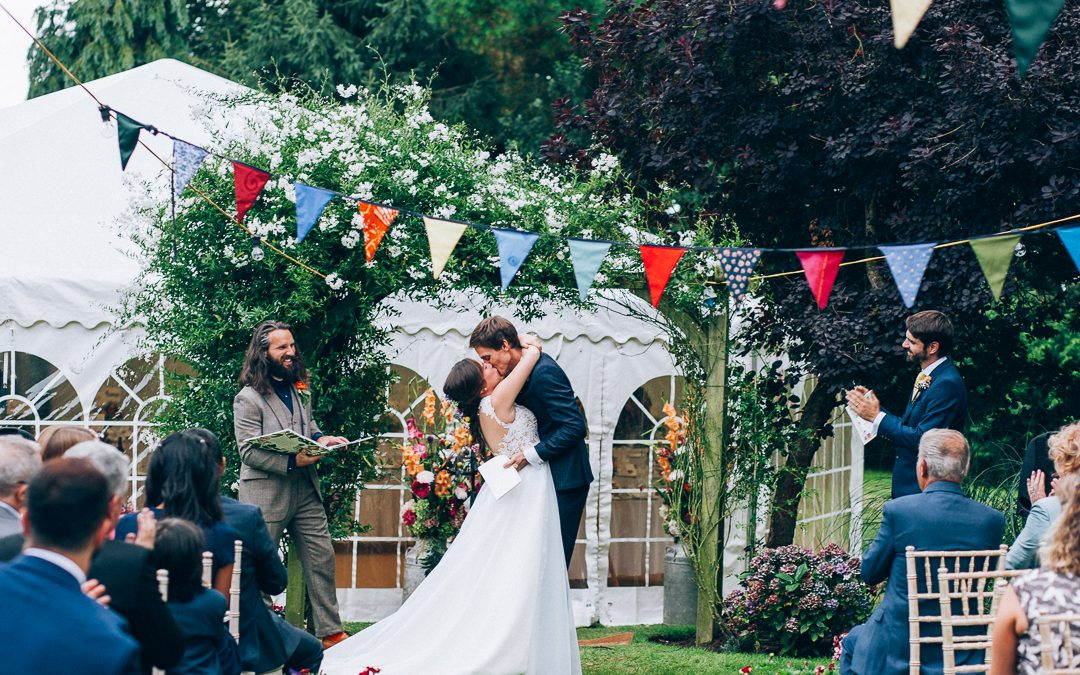 Gorgeous Devon Garden Wedding – The Previews