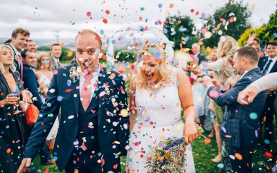 Carolyne & Stuart's Garden Wedding Previews