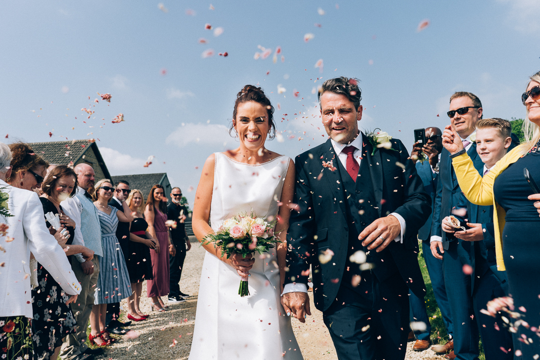 huntsmill farm wedding confetti image