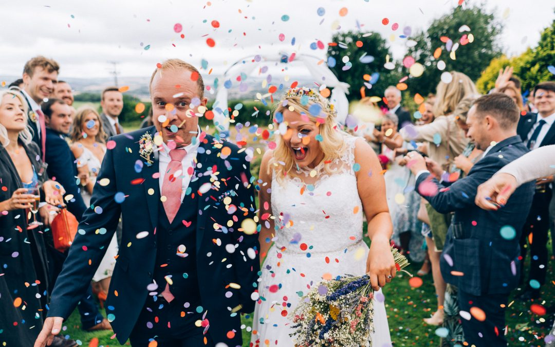 Carolyne & Stu's laid back garden wedding in Somerset